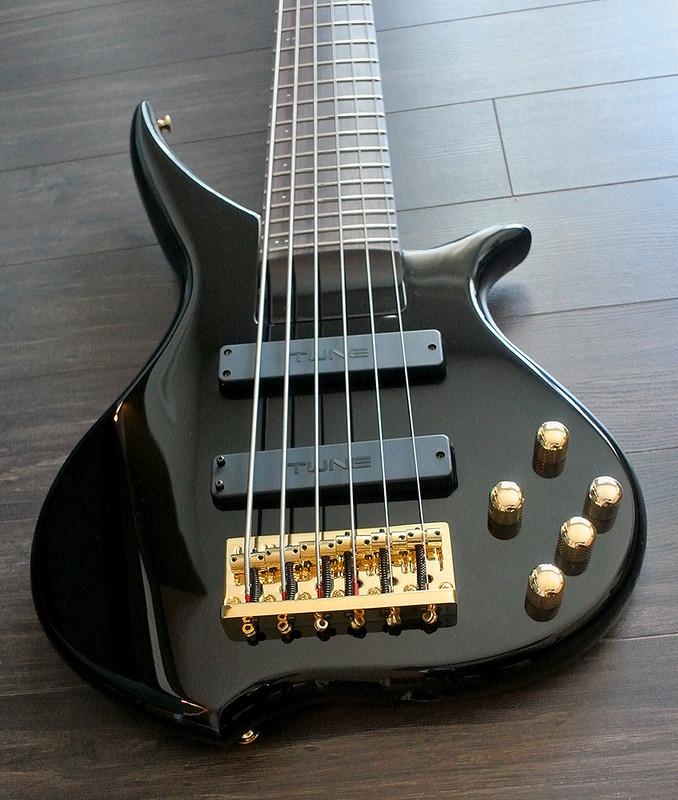 tune twx61lh sw left handed 6 string bass snow white finish vsn guitars. Black Bedroom Furniture Sets. Home Design Ideas