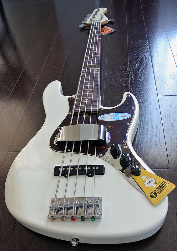 "Bacchus Global Series - WL-535 - 35"" Scale 5 String Bass - Snow White"