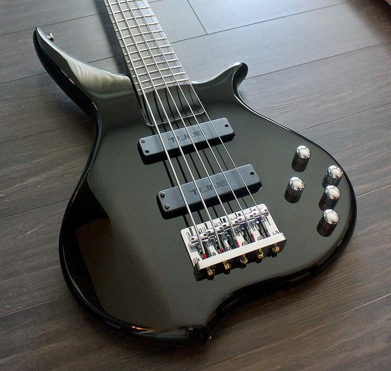 TUNE TWX51 B - 5 String Bass