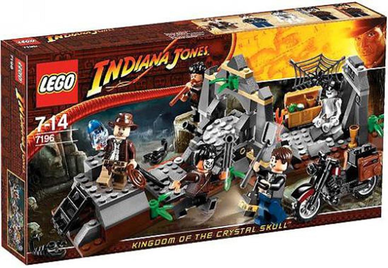 LEGO Indiana Jones Chauchilla Cemetery Battle Set 7196 ...