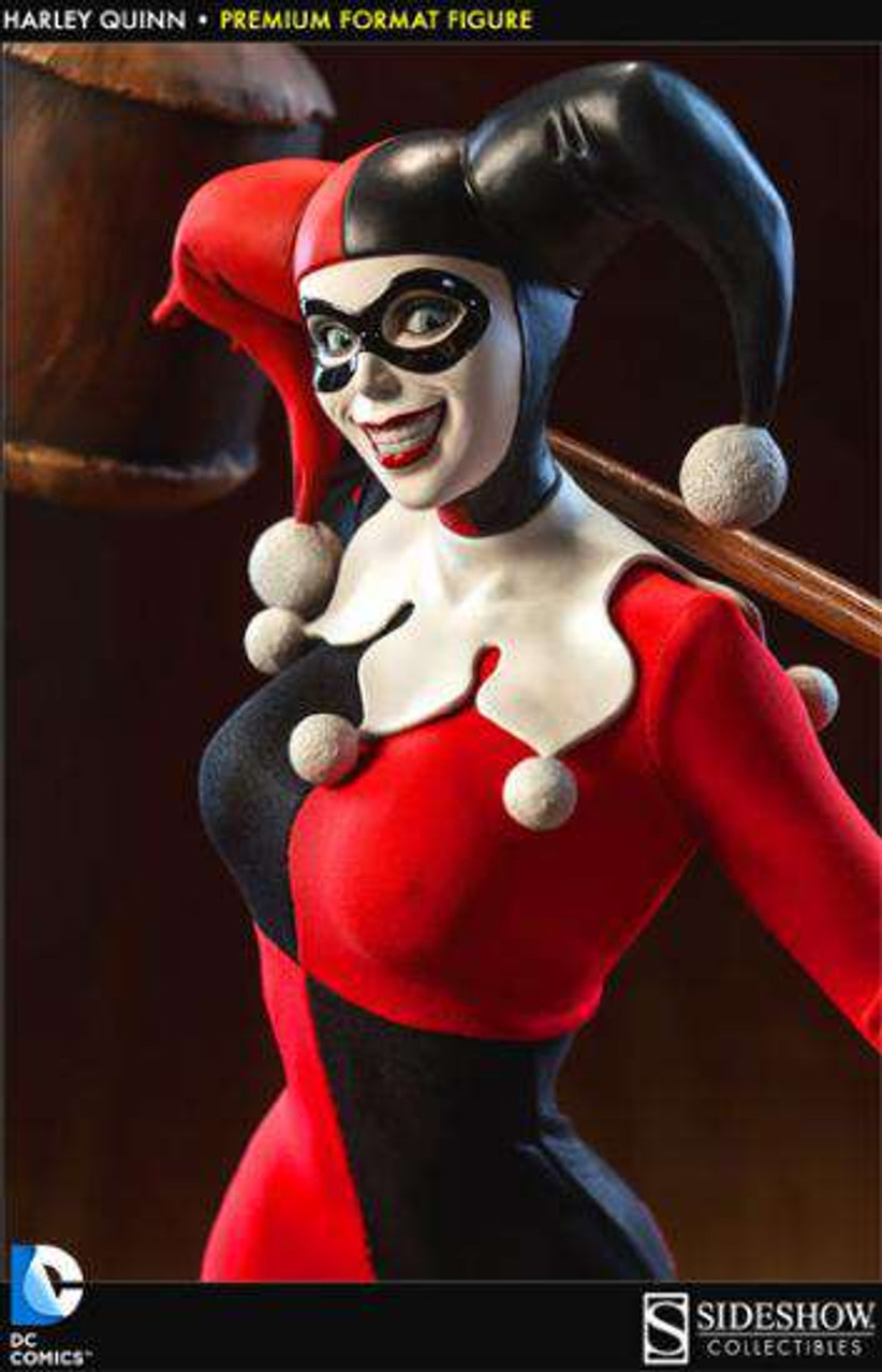 DC Premium Format Harley Quinn Statue