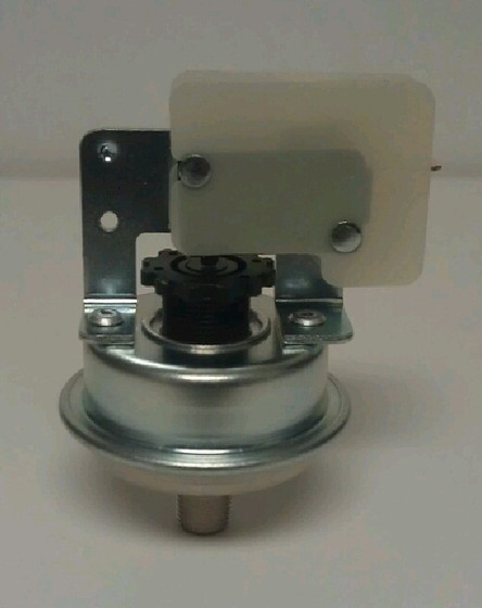 1657 Pressure Switch