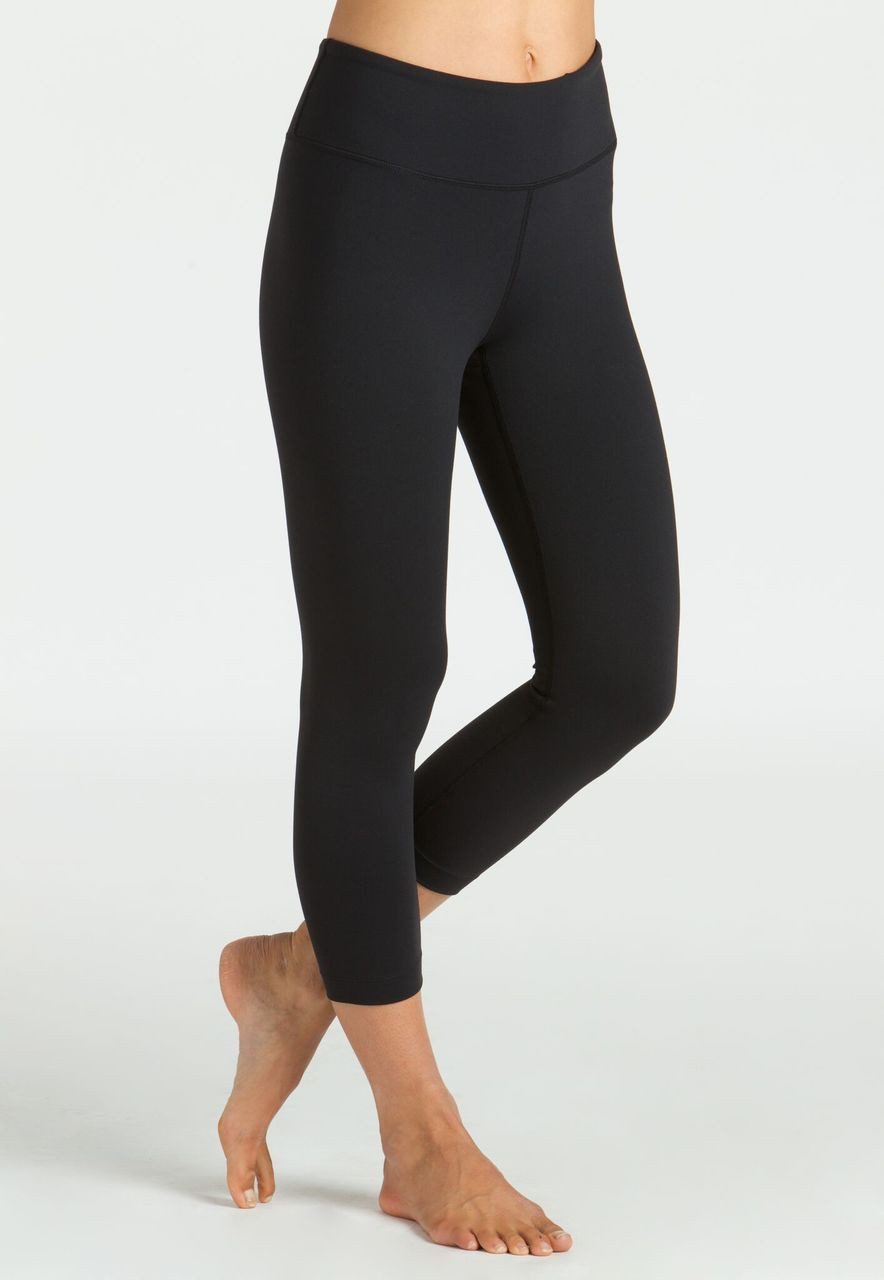 Kira Grace High-Waisted Yoga Capri Leggings in Black