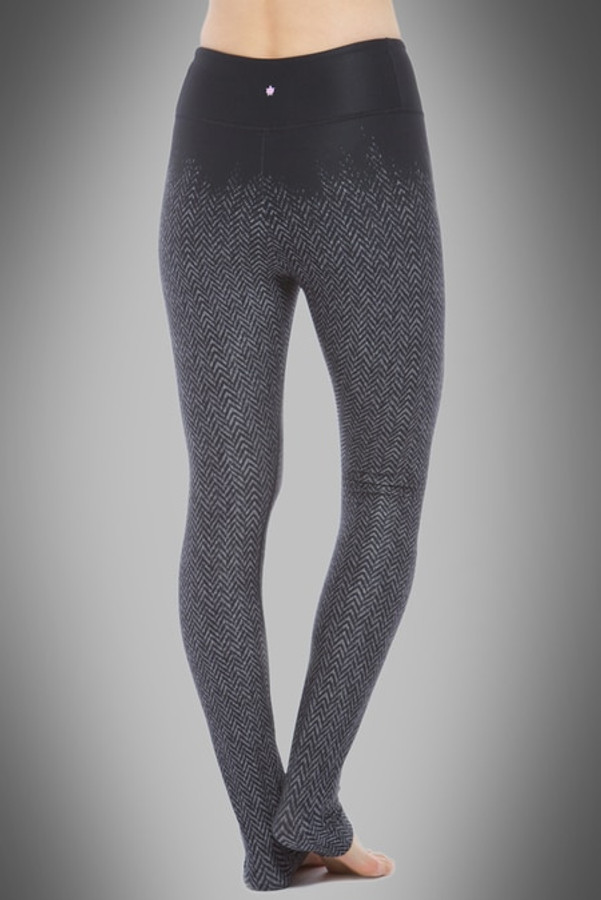 de431e97ef Model wearing KiraGrace High Waisted Herringbone Printed Yoga Leggings back  view