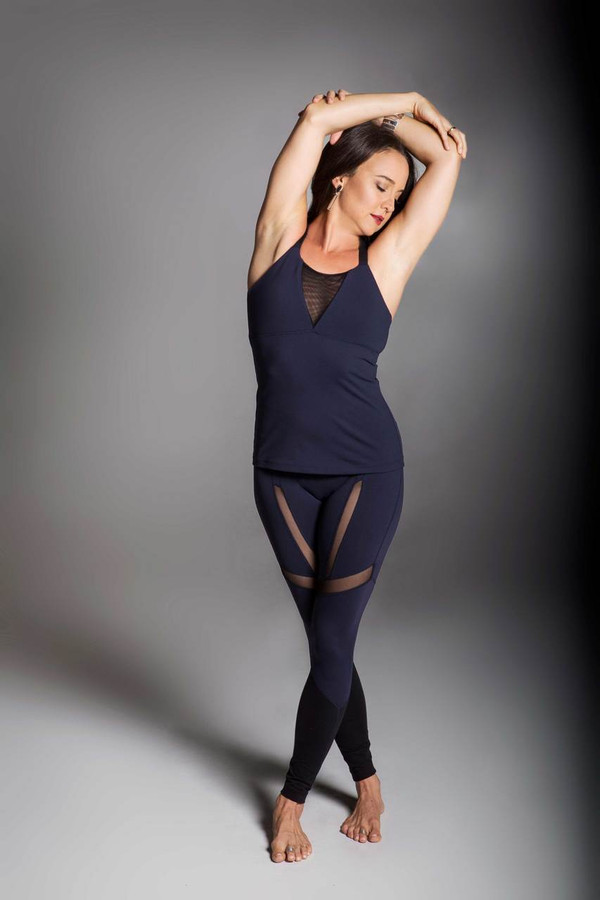 Strut Legging navy and black mesh yoga outfit