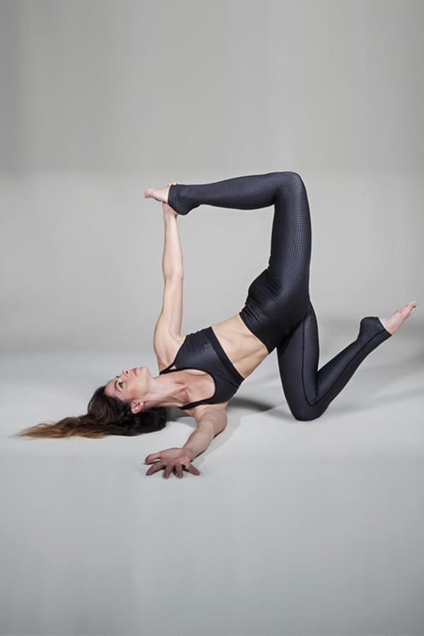 KiraGrace Seva Yoga Bra in Ombré Houndstooth print
