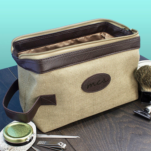 41ecde527a This classically styled canvas wash bag is designed with travel in mind.  Lightweight and hardwearing