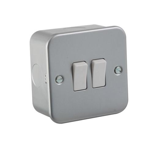 Metal Clad 10A 2G 2 Way Switch (DFL1M3000)