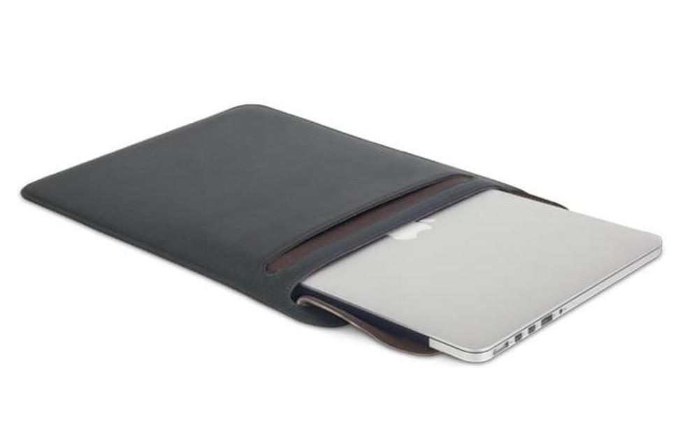 http://d3d71ba2asa5oz.cloudfront.net/12015324/images/muse-13-case-sleeve-microfiber-muse-macbook-13-black-5055.jpeg