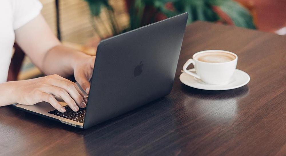 "Moshi iGlaze for 15"" MacBook Pro with Touchbar 2016 - Black"