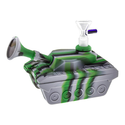 Silicone Tank-shaped Water Pipe. Made of food-grade, unbreakable silicone and in a completely unique shape this will stand out in your collection.