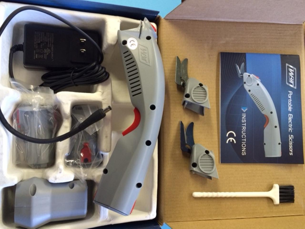 WBT-1 Electric Scissors in the box