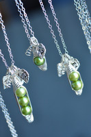 custom pea pod necklace with initial leaves / muyinjewelry.com