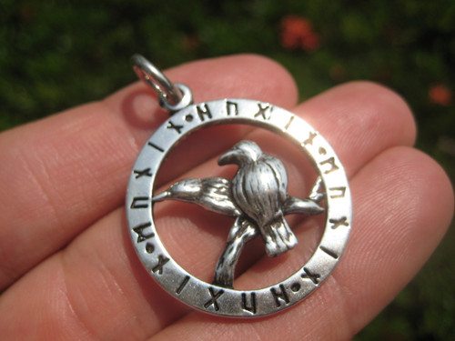 925 Silver Picture Front View Huginn Muninn Pendant Necklace