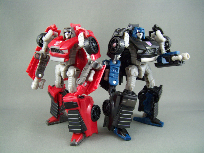 UN-27 Windcharger & Decepticon Wipeout Two-Pack