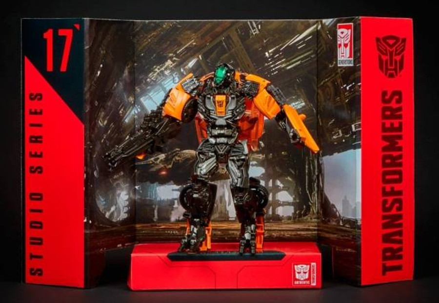 Transformers Generations Studio Series - Deluxe Shadow Raider