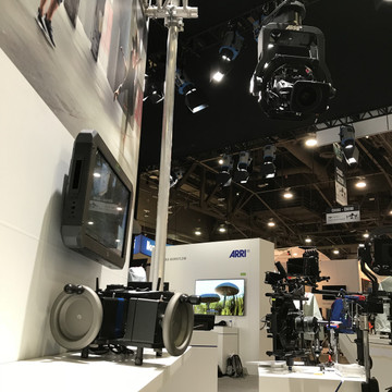 Veracity Control Wheels for ARRI SRH-3 setup and running at the ARRI Booth NAB 2018