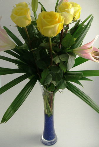 418 ff6 floral arrangement in a glass vase - sydney delivery INC. No Further Discounts Apply