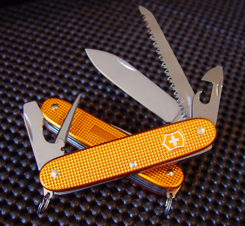 VICTORINOX ORANGE ALOX FARMER, 0.8241.281RO SWISS ARMY, CUTLERY SHOPPE