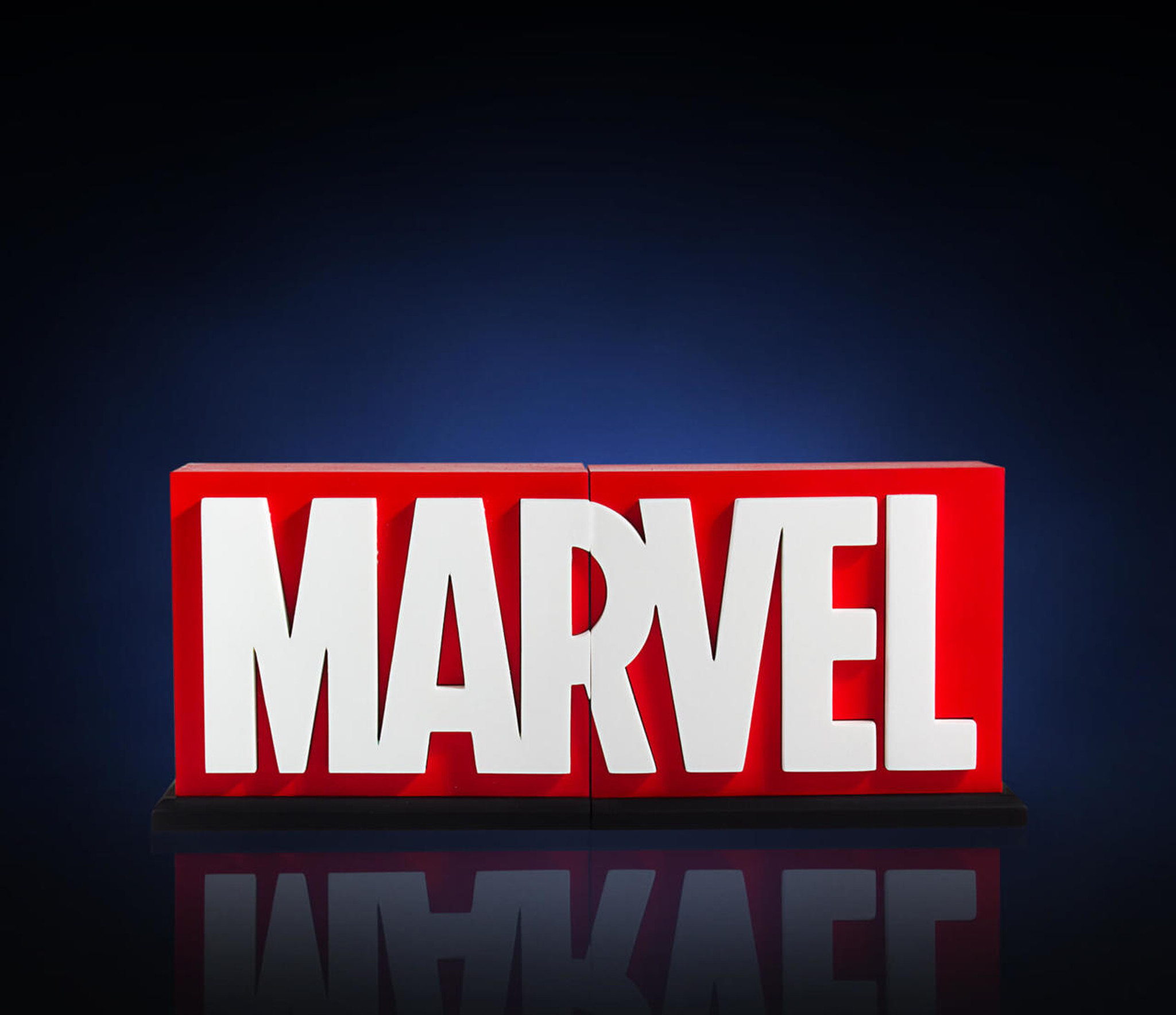 marvel logo bookends collectible gentle giant