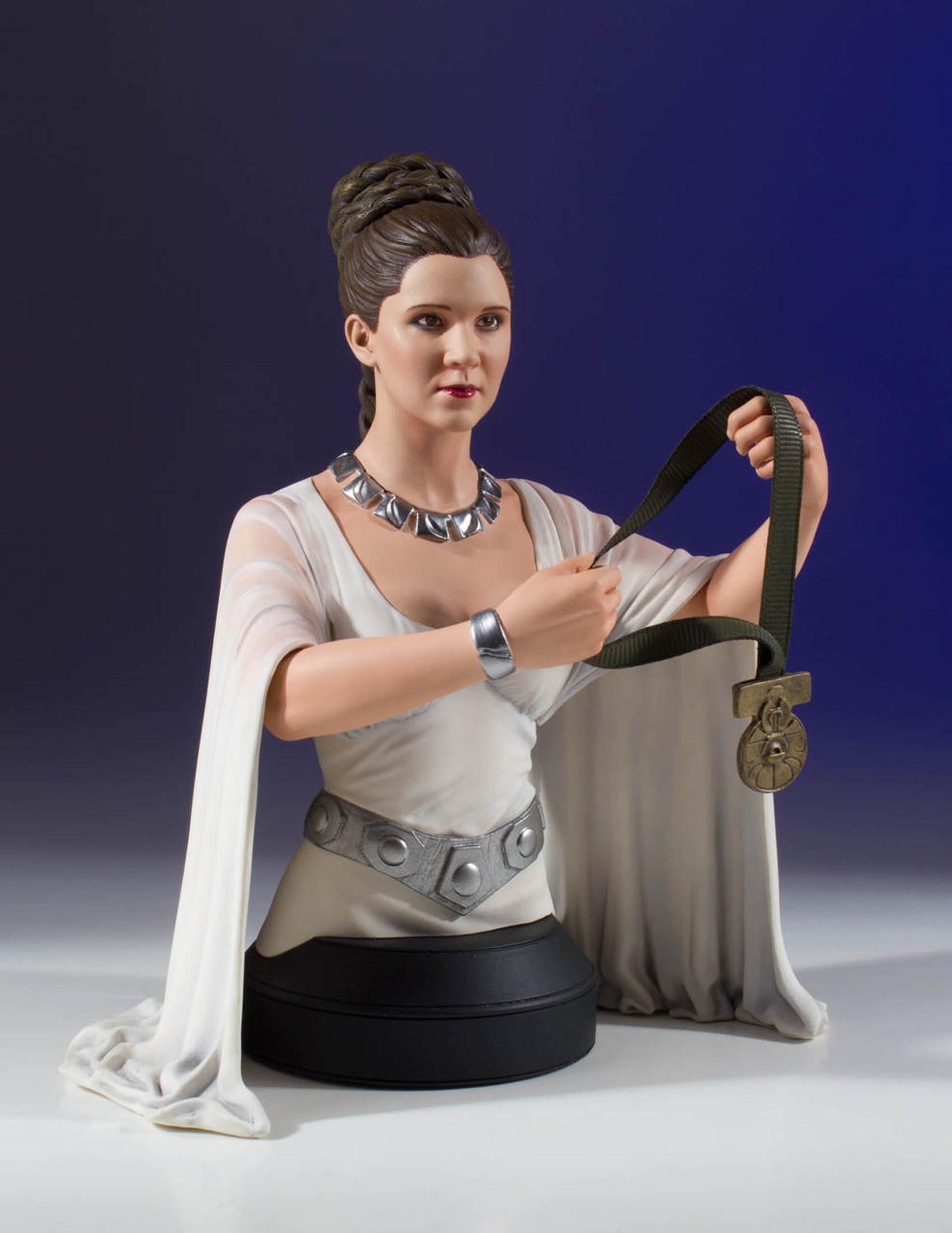 leia hero of yavin mini bust collectible gentle giant