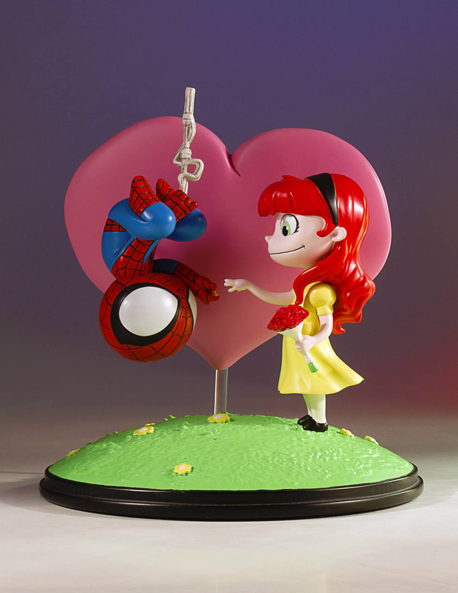 spider man and mary jane animated statue gentle giant ltd