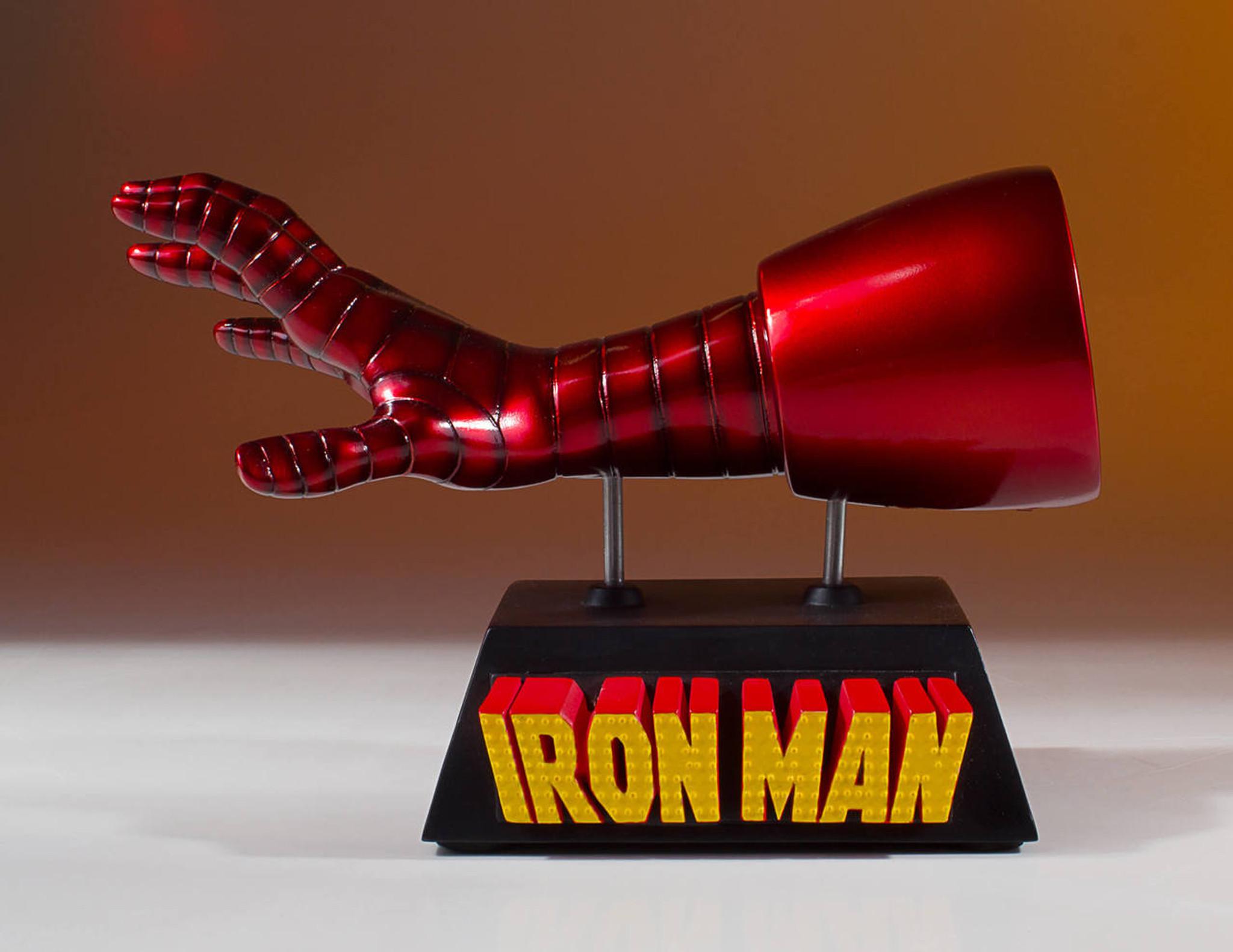 Iron Man Business Card Holder Desk Accessory - Gentle Giant Ltd