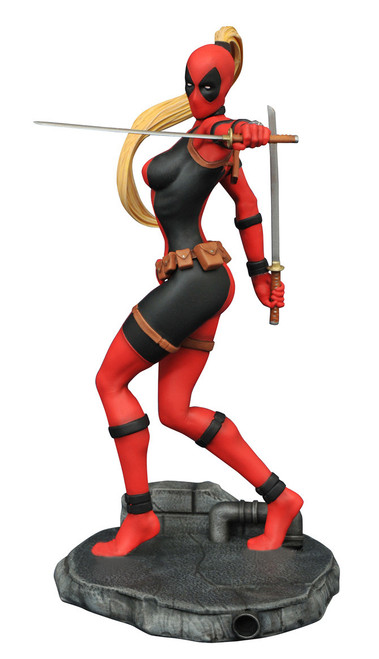 Diamond Select - PVC Figure - Marvel - Lady Deadpool