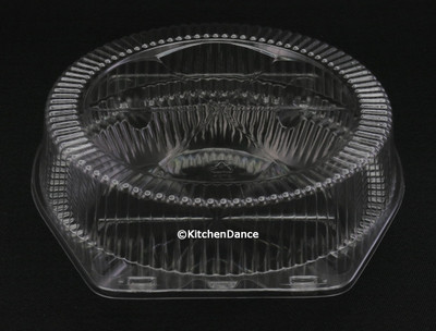 "9"" Clear Clamshell High-Dome Pie Container"
