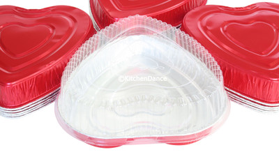 disposable aluminum foil heart-shaped holiday baking pan, with plastic dome lid