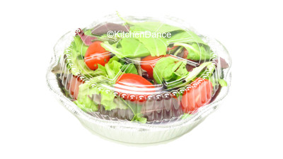 """disposable aluminum foil 7"""" round carryout pan, takout pan, baking pan, food storage container with a plastic lid"""