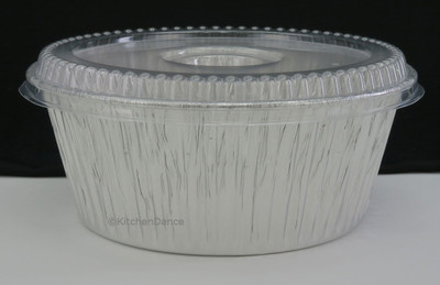baking pan with plastic lid