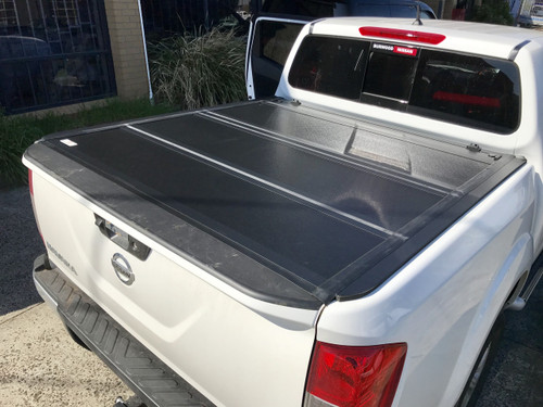 Quad-Fold Lid Tonneau Cover for Nissan Navara NP300