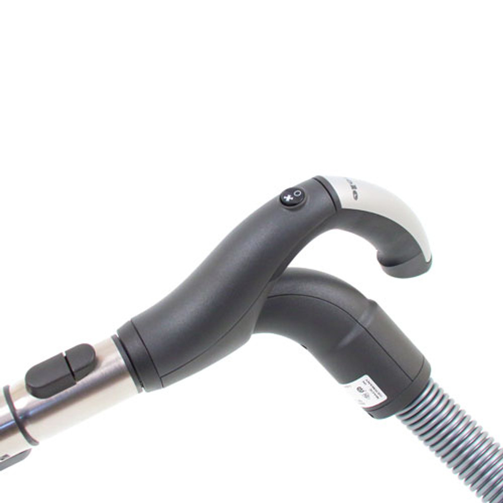 Double swivel hose handle makes it easier to maneuver.