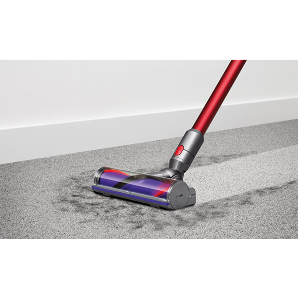 V10 Cordless Cleanerhead on Carpeting