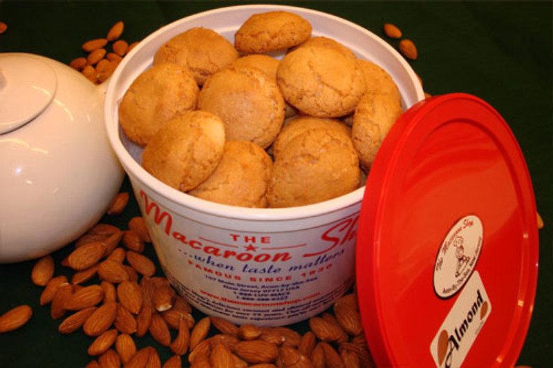 Gourmet Almond Macaroons 1 lb Tub - Mail-order these delicious macaroons. They are fresh and ready to enjoy!