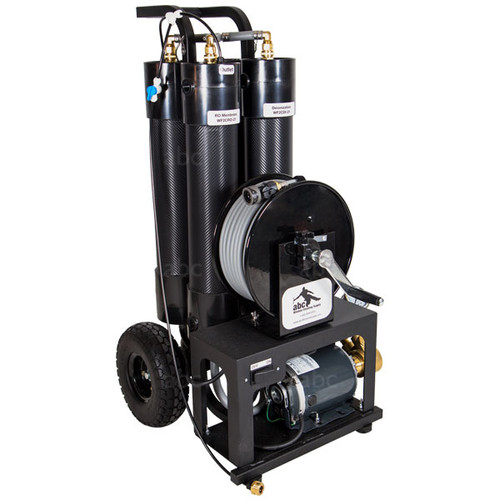 Triple Crown NXT5 WaterFed® Pure Water Cleaning System