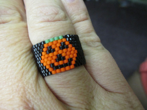 Peyote Stitch Pumpkin Ring (Graph) Tutorial