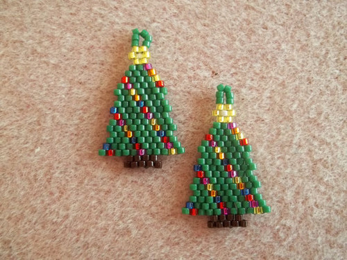 Christmas Tree with Lights Brick Stitch Earrings Graph Tutorial