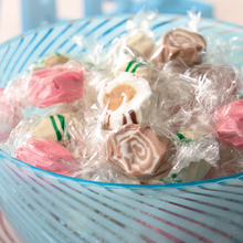 Assorted Taffy Kisses Gift Box