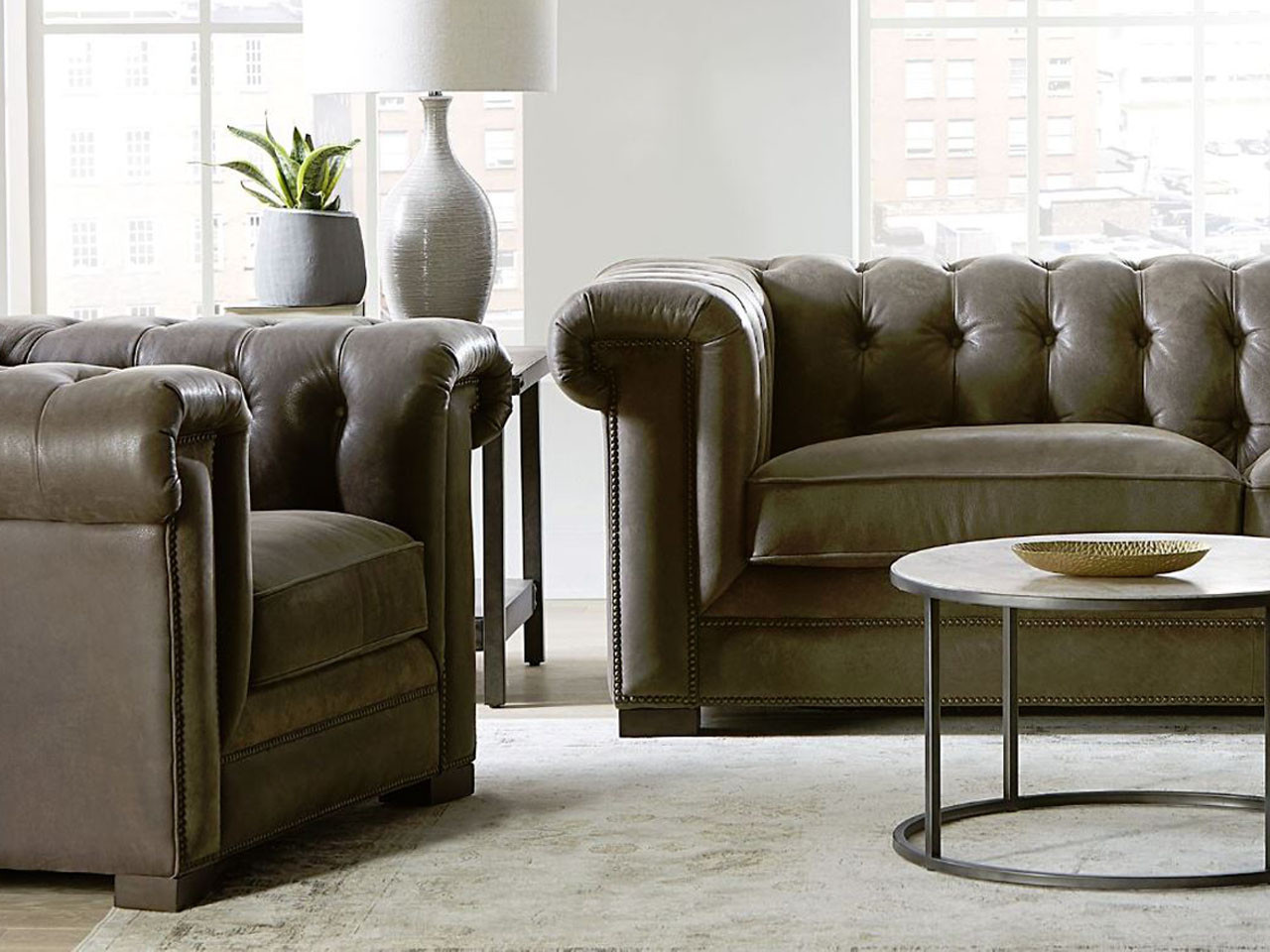 Gtr Tufted Back Leather Sofa