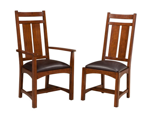 Oak Park Wide Slat Side Chair •Wide Slat and Narrow Slat style options allow for individual set customization •Chairs and barstools feature high quality bonded leather cushion seats •Barstool stretchers have a protective metal plate covering