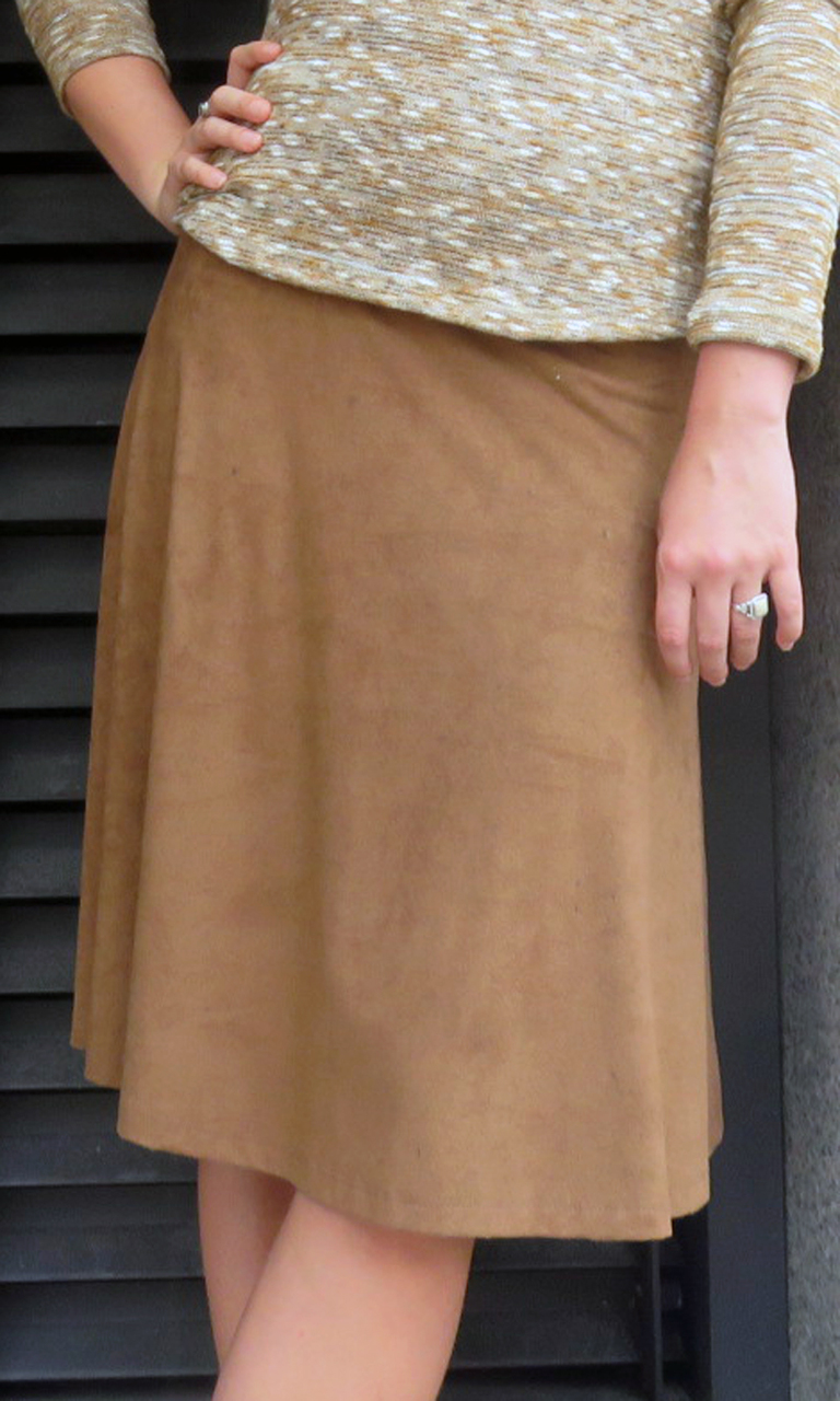 Sueded Solid Short Convertible Skirt