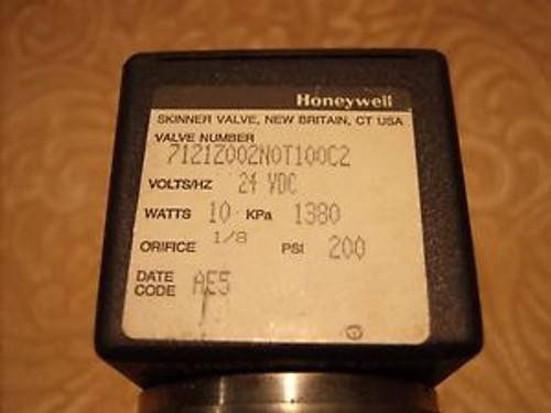 (Lot of 3) Honeywell Skinner 2-Way Valve 7121Z002N0T100C2  24 VDC 10 Watts