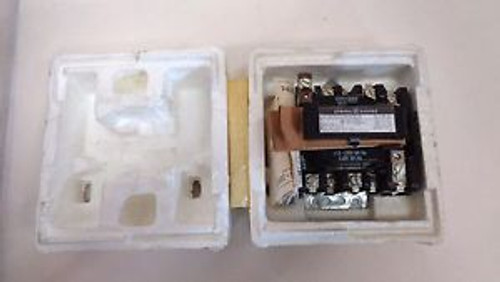 NEW IN BOX GE GENERAL ELECTRIC CR305S002AEA CONTACTOR SIZE 1 110/120V COIL