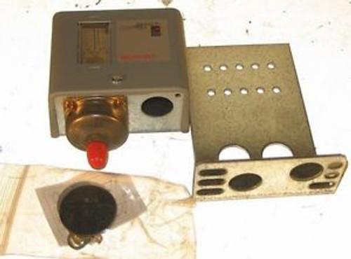 JOHNSON CONTROLS P170AB-12C MICROSET  PRESSURE CONTROL