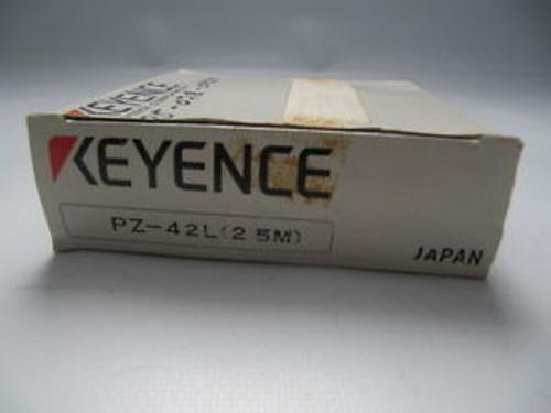 (Lot of 2) Keyence Diffuse-Reflective Photoelectric Switch/Sensor PZ-42L
