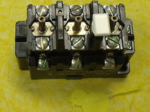 #574 Square D 815B0V16 120V Overload Relay Surplus  Open Type for starter