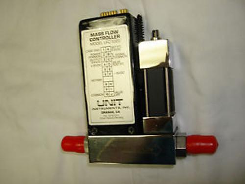 Unit Instruments UFC-1020 - Mass Flow Controller - SCCM 200 - Gas CHCL3 - 5 SLM