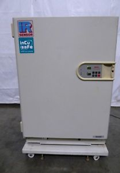 S126161 Sanyo MCO-17AIC IR Sensor Air-Jacketed Digital CO2 Lab Incubator
